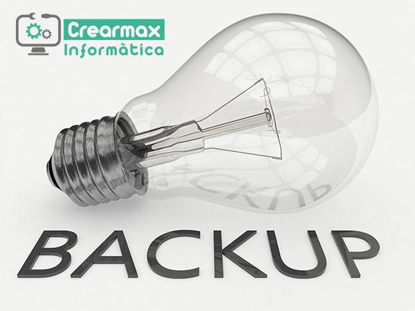 Bombilla y palabra Backup de copias de seguridad