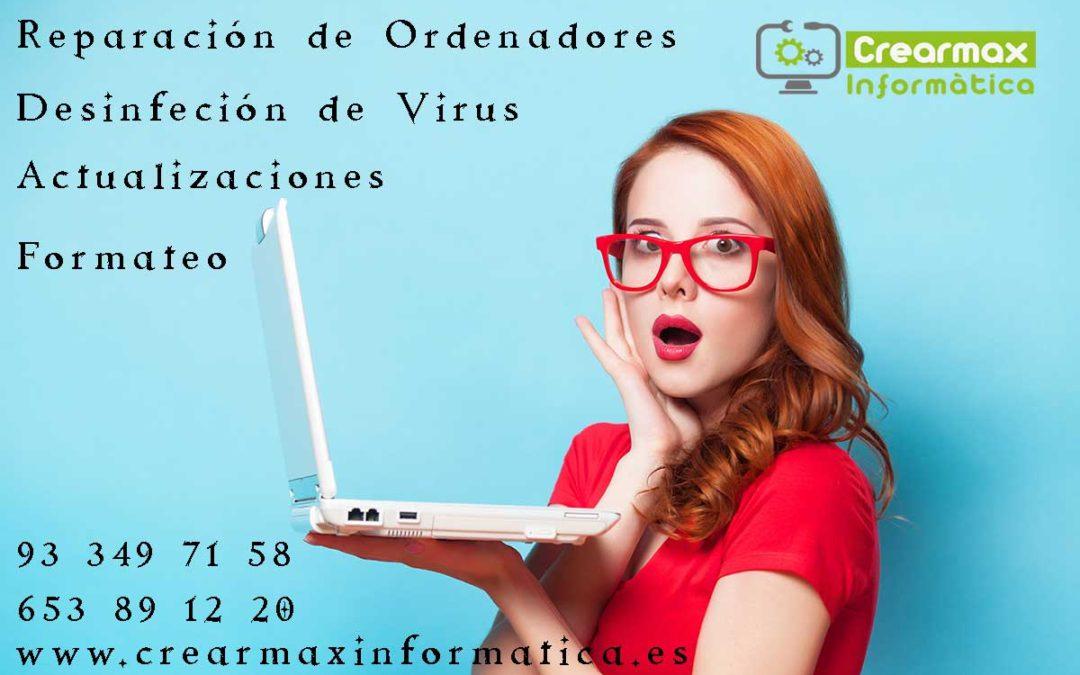 Chica con gafas y portátil en la mano textos publicitarios de reparación de ordenadores