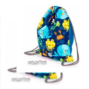 Fotografía de mochila infantil para foto de producto de web de venta online